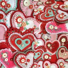 Boy oh boy! Sorry I've been missing for a bit but my fingers have been stitching like crazy. A while back I posted a few felt hearts that . Valentines Day Hearts, Valentine Day Crafts, Vintage Valentines, Valentine Heart, Holiday Crafts, Felt Decorations, Valentine Decorations, Fabric Hearts, Felt Embroidery