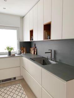 # small kitchen space # wall cabinets # kitchen planning # handleless kitchen - Home & DIY Kitchen Layout, New Kitchen, Kitchen Small, Kitchen Ideas For Small Spaces, One Wall Kitchen, 10x10 Kitchen, Cheap Kitchen, Kitchen Interior, Kitchen Decor