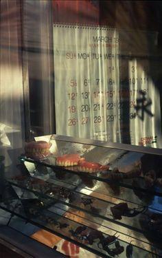 香港九龍寨城 Greg Girard, Dentist Window, Walled City, 1989