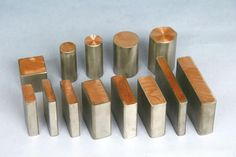 Titanium clad copper Composite materials:Ti+Cu Titanium layer:0.5~3.2mm Technology: metallurgical bonding by explosive rolled Size: We can provide a variety of custom shapes and sizes. Types available: Ti-Cu/steel bar/plate/tube/block etc Product Form: Square, Round, Rectangle, Drum