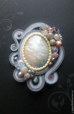 Купить Подари мне лунный камень... - серый, розовый, брошь, сутажные украшения, сутажная вышивка