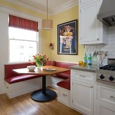 48 New Ideas Diy Kitchen Nook Table Small Dining Table D'angle, Kitchen Table Bench, Small Kitchen Tables, Kitchen Banquette, Kitchen Seating, Banquette Seating, Dining Nook, Small Dining, Kitchen Table With Storage