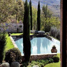 Italian Garden and Pool Swimming Pools Backyard, Swimming Pool Designs, Pool Landscaping, Outdoor Pool, Outdoor Gardens, Landscape Design, Garden Design, Plant Design, Italian Garden