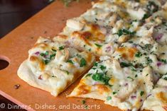 Roasted garlic sauce topped with chicken, red onions, and herbs. A healthier alternative to pizza