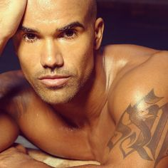 OH MY GOODNESS!!!! Shemar Moore