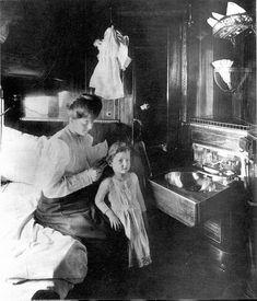dawne wagony, dawne pociągi, historia kolei  wnętrze wagonu sypialnego.