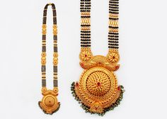 P N Gadgil & Sons - PNG: Buy Exclusive Gold Mangalsutra Designs in Pune, India. Available short daily use, Fancy Designer Mangalsutra with best price. 1 Gram Gold Jewellery, Real Gold Jewelry, Gold Jewellery Design, High Jewelry, Gold Mangalsutra Designs, Gold Earrings Designs, Necklace Designs, Viria, Indian Jewelry Sets
