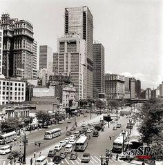 1970 - Anhangabaú - Visto do Santa Ifigênia - Lado Martinelli - Gilberto Calixto Rios