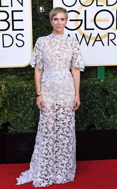 Kristen Wiig from 2017 Golden Globes Red Carpet In Reem Acra Red Carpet Ready, Red Carpet Looks, Amy Adams, Golden Globe Award, Golden Globes, Natalie Portman, Celebrity Outfits, Celebrity Style, Celebrity Gossip
