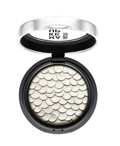 Make up Factory Empire of Glamour Chromatic Glam Eye Shadow No. 08 / Glamourous Silver http://www.makeupfactory.de/en/products/eyes/eye-shadows/chromatic-glam-eye-shadow.html#4045915512084