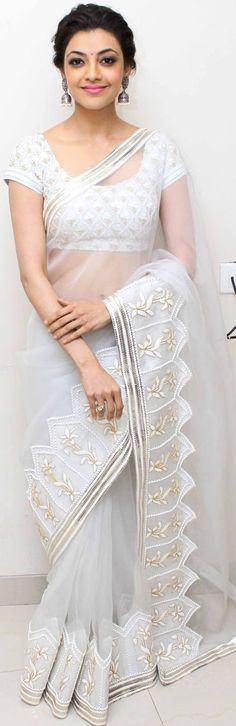 Kajal Aggarwal in a elegant white saree Saris, India Fashion, Asian Fashion, Ethnic Fashion, Indian Dresses, Indian Outfits, White Saree, Elegant Saree, Fancy Sarees