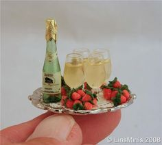 miniature: champagne starawberries