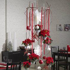 Raumdekorartionen zu Weihnachten mit Poinsettien