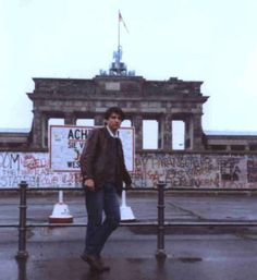 Mauerschwalben, Autobiografischer Roman http://www.amazon.de/dp/B00BV5K6DY/ref=cm_sw_r_pi_awd_akMJsb06VYQG0