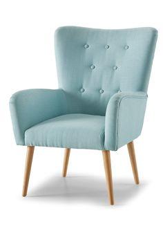 Jetzt anschauen: Gemütlicher Sessel im zeitlosen Design. Die Zierknöpfe in der Rückenlehne geben dem Sessel das gewisse Etwas. Somit strahlt er wahrhaftig Gemütlichkeit aus und macht sich in jedem Wohn- oder Schlafzimmer gut. Um den Komfort zu erhöhen, können Sie den passenden Hocker dazu bestellen. Lieferung erfolgt mit Aufbauanleitung.