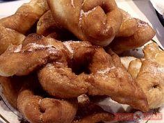 Villámgyors csöröge Onion Rings, Chicken Wings, Bacon, Sweets, Meat, Breakfast, Ethnic Recipes, Food, Morning Coffee