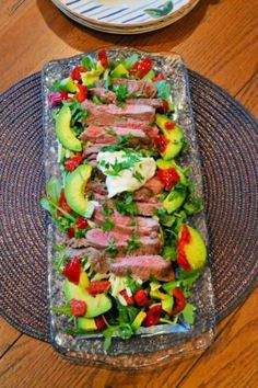 This carne asada salad is bold and hearty, and full of Mexican flavors. Serve it for dinner tonight! Click through for recipe!