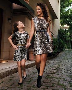 Filha de fashionista, fashionistinha é! Se sua filha curte tendências desde pequena, que tal essa dupla de looks de oncinha? O animal print é uma estampa que também cai super bem para crianças, principalmente em vestidos de corte mais clássico .  #DiaDasMães #VemProvar