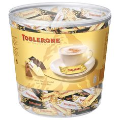Toblerone Mix Box Klarsichtdose 904 g (mind. Chocolate Brands, Chocolate Sweets, Chocolate Recipes, Toblerone, Fun Foods To Make, Candy Birthday Cakes, Minis, Minnie Mouse Cookies, Junk Food Snacks