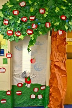 The Giving Tree- Kids can share nice things that they do for each other and add an apple to the class tree. Love this idea to incorporate words of affirmation in my classroom. Fall Classroom Door, Preschool Classroom, In Kindergarten, Classroom Tree, Classroom Ideas, Apple Classroom, Class Tree, The Giving Tree, School Doors