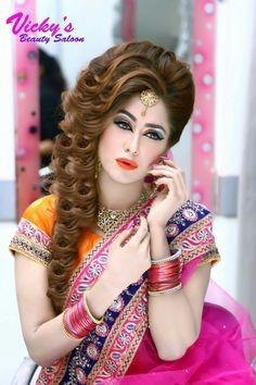 Glamorous bridal makeup and hairstyling Pakistani Bridal Hairstyles, Pakistani Bridal Makeup, Pakistani Bridal Dresses, Bride Hairstyles, Bridal Makeup Looks, Bride Makeup, Bridal Looks, Indian Photoshoot, Bridal Photoshoot