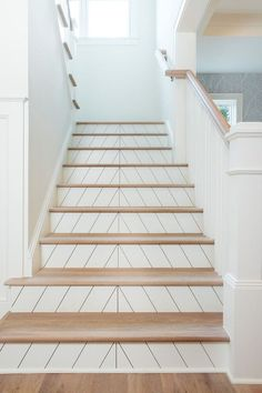 Interior Design Ideas: Modern Farmhouse-style Home Home Bunch Interior Design Stairs Ideas Bunch Design Farmhousestyle home Ideas Interior Modern Farmhouse Stairs, Farmhouse Remodel, Farmhouse Interior, Modern Farmhouse Style, Farmhouse Decor, Farmhouse Design, Interior Modern, Contemporary Interior Design, Decor Interior Design