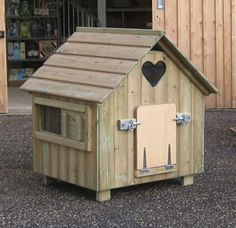 Classic Duck House, designed and made in England, pressure treated timber, beautiful high quality finish. The Classic Duck Houses are easy access easy to clean houses specially designed for ducks Backyard Ducks, Backyard Poultry, Backyard Birds, Chickens Backyard, Pet Ducks, Baby Ducks, Canard Coop, Duck Pens, Duck Duck