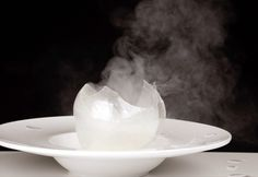 Who wouldn't want to learn how to make a smoking globe or an apricot of pure sugar? Read on for an interesting article on Chef Jordi Roca's work with isomalt spheres.