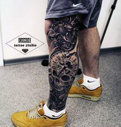Leg Sleeve with Lion Clock & Skull Skull Tattoos, Sexy Tattoos, Life Tattoos, Body Art Tattoos, Tattoos For Guys, Cool Tattoos, Maori Tattoos, Leg Sleeve Tattoo, Leg Tattoo Men