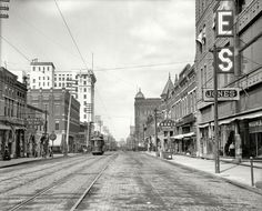 Little Rock Arkansas Main St - north from 6th 1910