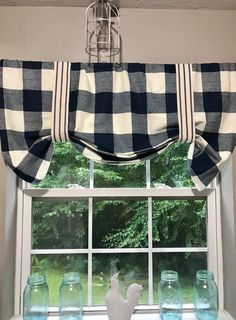 Sew Curtains no sew black and white plaid valence tutorial - If you are looking for on trend buffalo check curtains without the high price of the Department Store, check out this easy no sew buffalo check version. Buffalo Plaid Curtains, Buffalo Check Curtains, No Sew Curtains, Rod Pocket Curtains, Valence Curtains, No Sew Valance, Curtains Without Sewing, Beach Curtains, Farmhouse Kitchen Curtains
