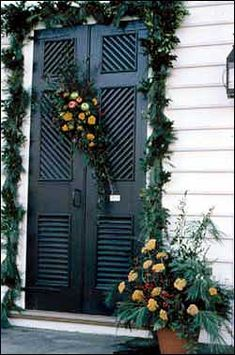 c9936c842c2bd Decorations - Deck the Doors : The Colonial Williamsburg Official History  Site . Christmas Porch,