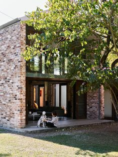 Our Top Ten Favourite Australian Brick Houses | Hunting for George Contemporary Architecture, Architecture Details, Glasshouse Mountains, Recycled Brick, Timber Windows, Mountain Modern, Modern Barn, Love Home, Exposed Brick
