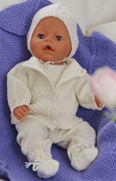 Baby born knitting patterns knitted in the softest lovely baby wool Ag Dolls, Reborn Dolls, Girl Dolls, Baby Knitting Patterns, Baby Patterns, Doll Clothes Patterns, Doll Patterns, Baby Born Clothes, Crochet Doll Dress