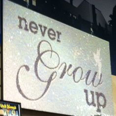 Motto....NYC Disney store..use push pins & iridescent sequence to make a design on canvas/foam