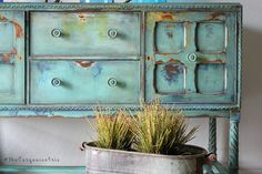 The Turquoise Iris ~ Vintage Modern Hand Painted Furniture: November 2016