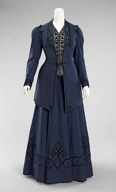 1905-1910 wool and silk Walking suit by Kontoff, American.