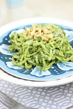 This easy vegan spinach pesto recipe is perfect if fresh basil is out of season, above your budget or difficult to find.