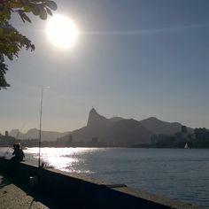 SnapWidget | Hoje o bom dia é com a paisagem do meu Rio de Janeiro. Falta menos de um mês para visitar a minha cidade, minha família e meus amigos. Começa a contagem regressiva. Uuuhhhuuuuu  #riodejaneiro #minhacidadenatal #cidademaravilhosa #amoviajar #destinosehistorias #pelomundo #gente_que_ama_viajar #queroviajarmais #contosdamochila #turistaspelomundo