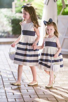 flower girls in navy and white stripes / photo: vitalicphoto.com