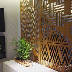 Divisória em madeira , o novo showroom da Saccaro leva assinatura de ninguém menos que @sergiopaulorabelloarquiteto está simplesmente linda! #ivancoelho #art #paint #job #life #happines #draw #concept #popart #ink #inspiration #inspiração #renascimento  #decor  #work #luxo #design #cor #colors #colorfull #goodvibes #estilo #stile #sucesso #deusnocomando #inspiration #casacor2016