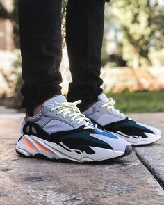 *Follow @IllumiLondon for more Streetwear Collections* #IllumiLondon #Streetwear Tênis Lindos, Shoes Calçados, Calça Masculina, Roupas Masculinas, Sapatilhas, Sapatos, Tênis Nike, Marcas De Tênis, Sapatos Da Moda