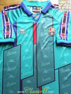 Relive Barcelona's 1995/1996 season with this vintage Kappa away football shirt.