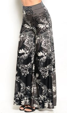 Another great find on Black & Cream Floral Palazzo Pants Fashion Pants, Fashion Outfits, Fashion Trends, Women's Fashion, Floral Palazzo Pants, Palazzo Trousers, Floral Pants, Pantalon Large, Pants For Women