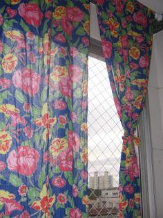 Nosso Ateliê: Cortina de Chita ² Cortina Boho, Curtains, Home Decor, How To Make Curtains, Curtains For Bedroom, Patchwork Curtains, Windows, Houses, T Shirts