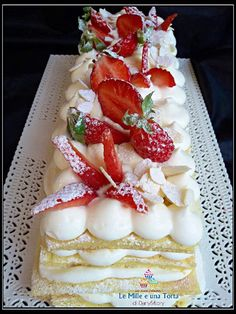 TORTA CREMA CHANTILLY E FRAGOLE Gourmet Desserts, Great Desserts, Baking Recipes, Cake Recipes, Dessert Recipes, Sweet Potato Breakfast, Number Cakes, Holiday Cakes, Savoury Cake