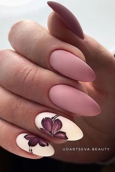 But today we want to recommend almond shaped nails for you The almondshaped nails are slightly slender on both sides and the bottom is also wide It looks like a real almond Almond nails are a beautiful shape, and there is definitely a lot of room - # Cute Acrylic Nails, Cute Nails, Pretty Nails, Spring Nail Art, Spring Nails, Perfect Nails, Gorgeous Nails, Almond Shape Nails, Almond Nails Pink
