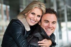 engagement picture poses | Couples photography poses, ideas and inspiration | Creative and ...