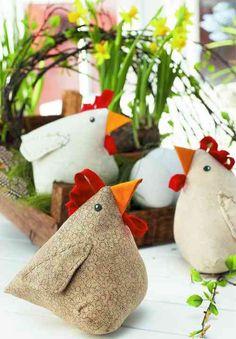 Spektakulär Zu Ostern fette Hühner nähen Aftonbladet autour du tissu déco enfant paques bébé déco mariage diy et crochet Sewing Projects For Kids, Sewing For Kids, Diy Craft Projects, Diy For Kids, Sewing Ideas, Easter Crafts, Diy And Crafts, Crafts For Kids, Fabric Crafts
