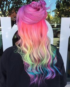 haar verven 28 Latest Hair Colors for 2019 - Get Your Hairstyle Inspiration for This Season Cute Hair Colors, Hair Dye Colors, Ombre Hair Color, Cool Hair Color, Thin Curly Hair, Curly Hair Styles, Latest Hair Color, Girls Short Haircuts, Fashion Mode